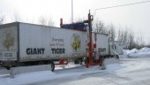Giant Tiger has installed a Yeti snow removal system that clears trailer tops of snow and ice.