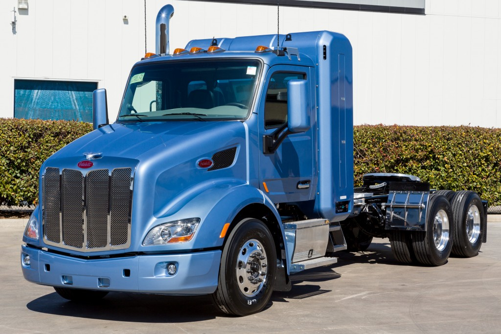 Peterbilt offering ISX12 G with UltraShift Plus transmission